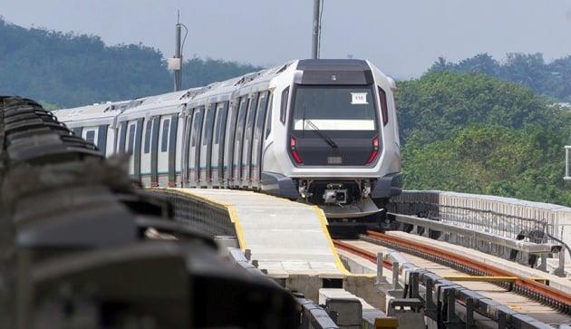 mrt-train-1_bm