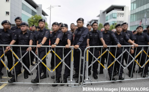 police-block-bernama