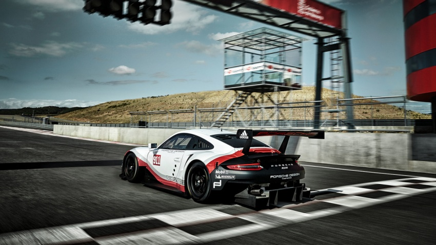 2017 Porsche 911 RSR – race car is now mid-engined Image #580986