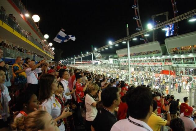 singapore-gp-grandstand_bm