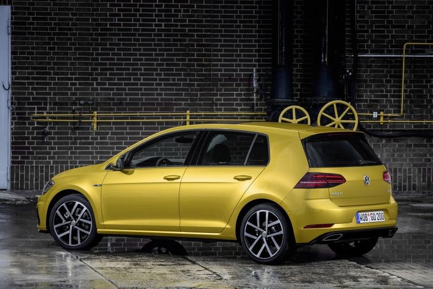 Volkswagen Golf facelift unveiled – Mk7 gets revamped Image #577666
