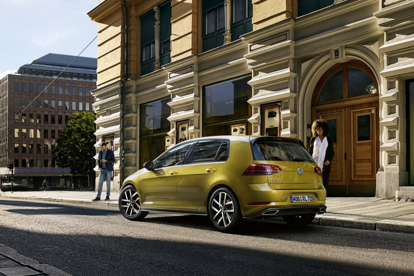 Volkswagen Golf facelift unveiled – Mk7 gets revamped Image #577681