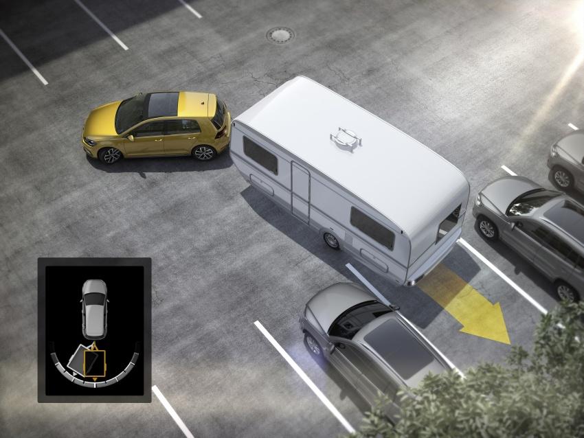 Volkswagen Golf facelift unveiled – Mk7 gets revamped Image #577657