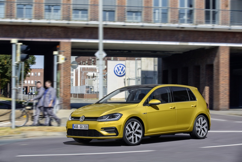 Volkswagen Golf facelift unveiled – Mk7 gets revamped Image #577685