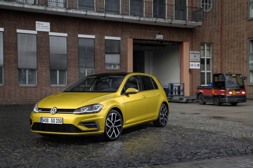 Volkswagen Golf facelift unveiled – Mk7 gets revamped Image #577687