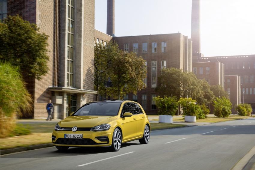 Volkswagen Golf facelift unveiled – Mk7 gets revamped Image #577690