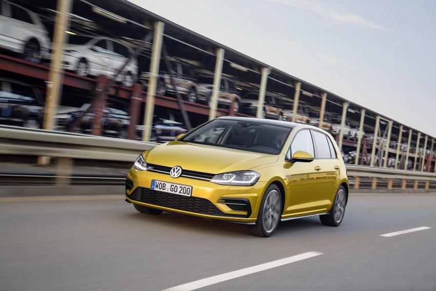 Volkswagen Golf facelift unveiled – Mk7 gets revamped Image #577692