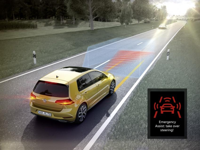 Volkswagen Golf facelift unveiled – Mk7 gets revamped Image #577659