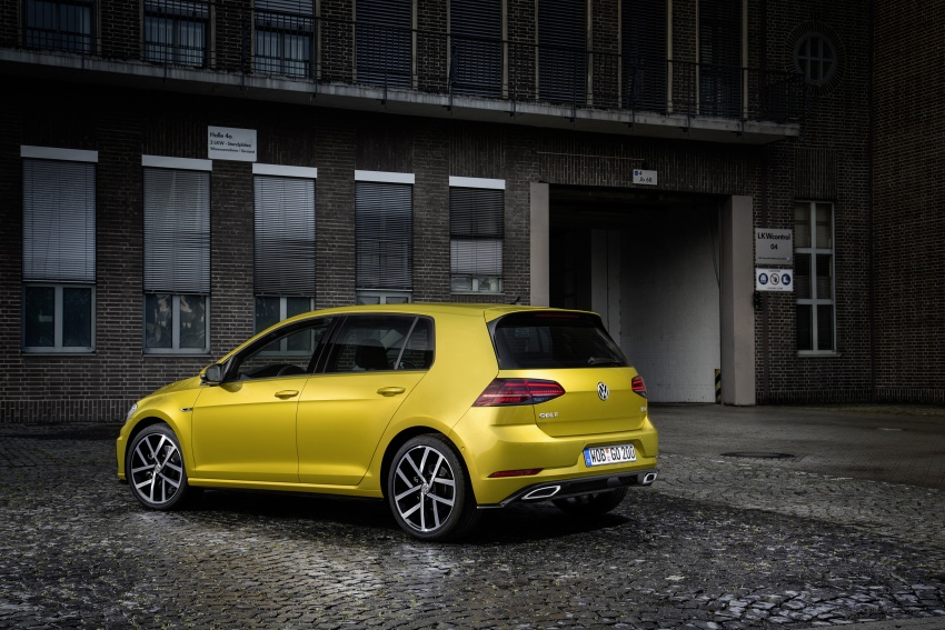 Volkswagen Golf facelift unveiled – Mk7 gets revamped Image #577661