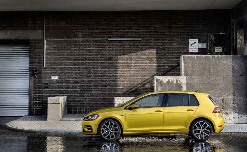 Volkswagen Golf facelift unveiled – Mk7 gets revamped Image #577662