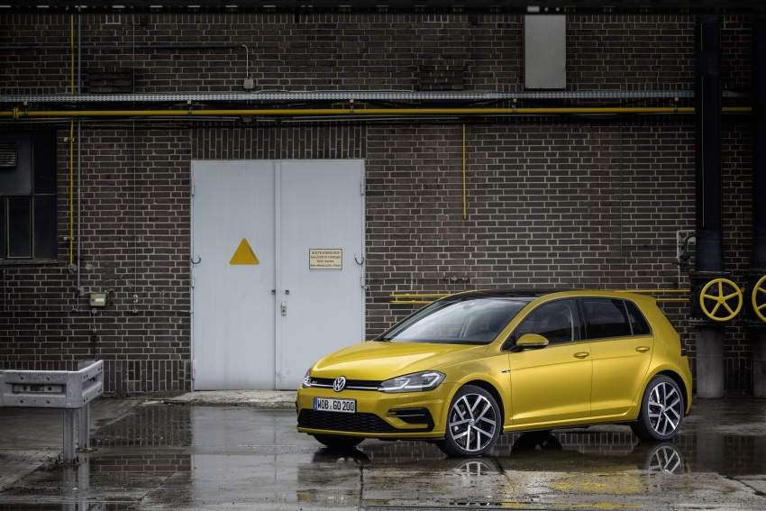 Volkswagen Golf facelift unveiled – Mk7 gets revamped Image #577663