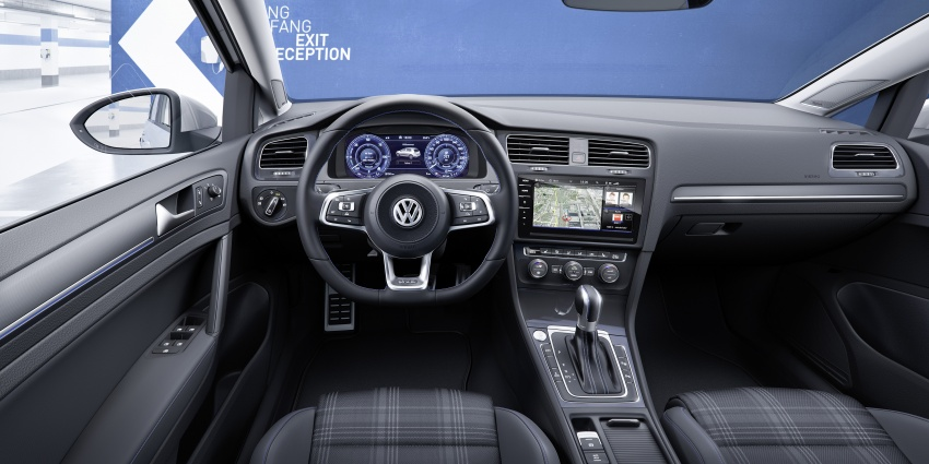 Volkswagen Golf facelift unveiled – Mk7 gets revamped Image #577700