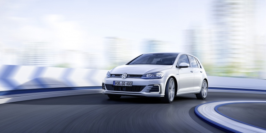 Volkswagen Golf facelift unveiled – Mk7 gets revamped Image #577705
