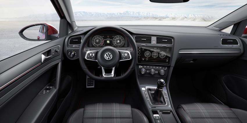 Volkswagen Golf facelift unveiled – Mk7 gets revamped Image #577695