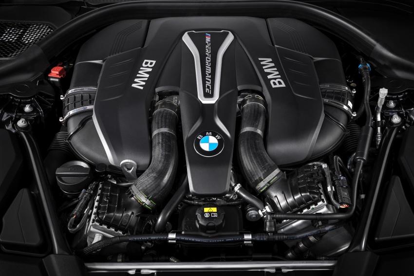 GALLERY: BMW M550i xDrive – range-topping G30 Image #593139