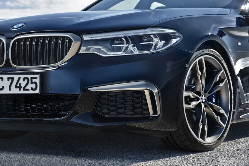 GALLERY: BMW M550i xDrive – range-topping G30 Image #593124