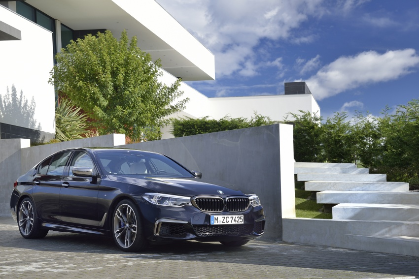 GALLERY: BMW M550i xDrive – range-topping G30 Image #593131