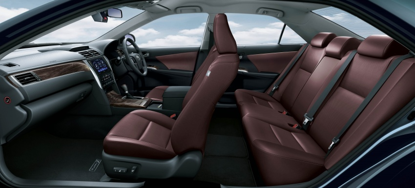 Updated Toyota Camry on sale in M'sia, from RM153k – two new variants, 7 airbags and VSC across the range Image #587480