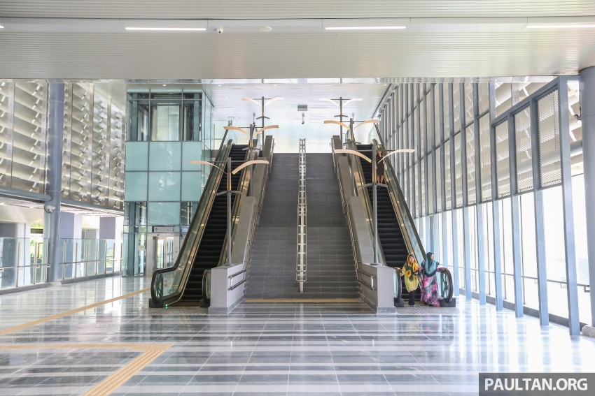 MRT Sungai Buloh-Kajang (SBK) Line Phase 1 opens to the public today – we ride the new train Image #592881