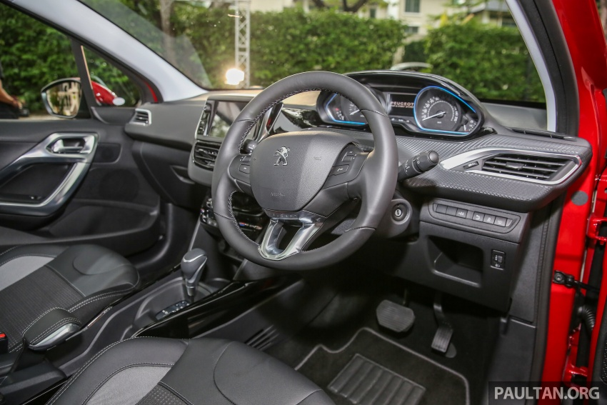 GALERI: Peugeot 208, 2008 facelift dipertontonkan Image #591783