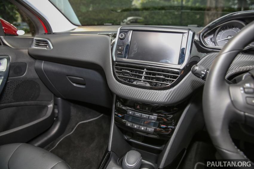 GALERI: Peugeot 208, 2008 facelift dipertontonkan Image #591759