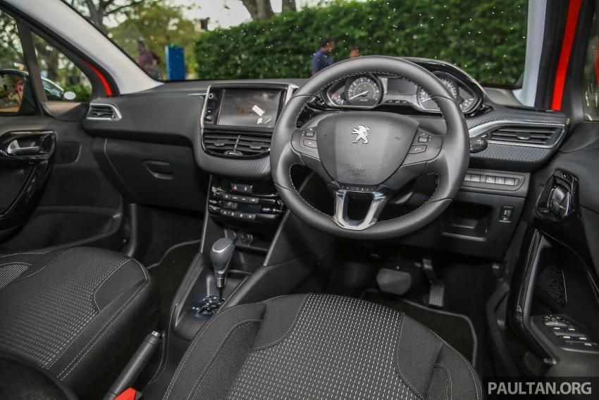 GALERI: Peugeot 208, 2008 facelift dipertontonkan Image #591686