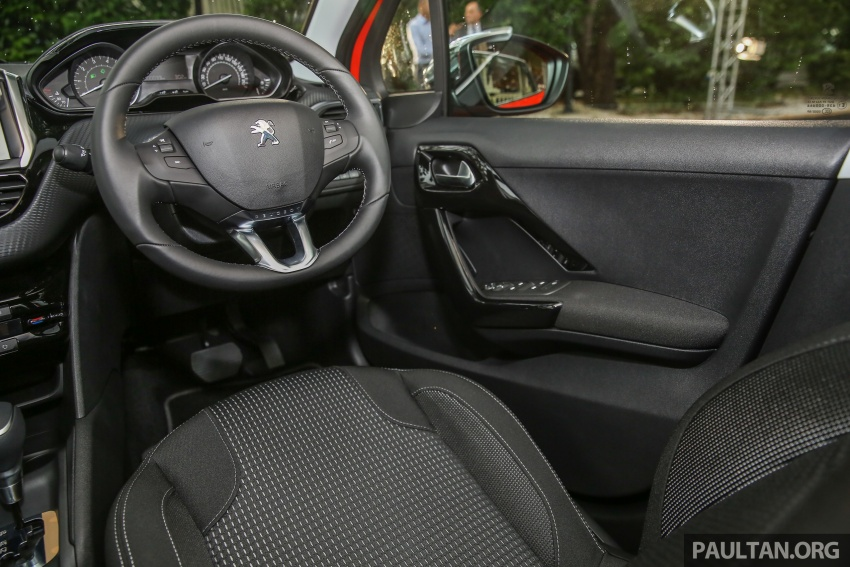 GALERI: Peugeot 208, 2008 facelift dipertontonkan Image #591688