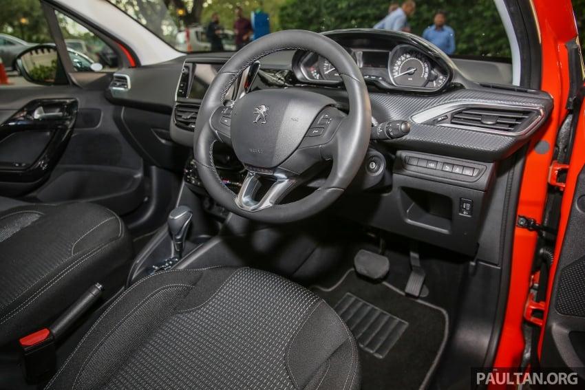 GALERI: Peugeot 208, 2008 facelift dipertontonkan Image #591668