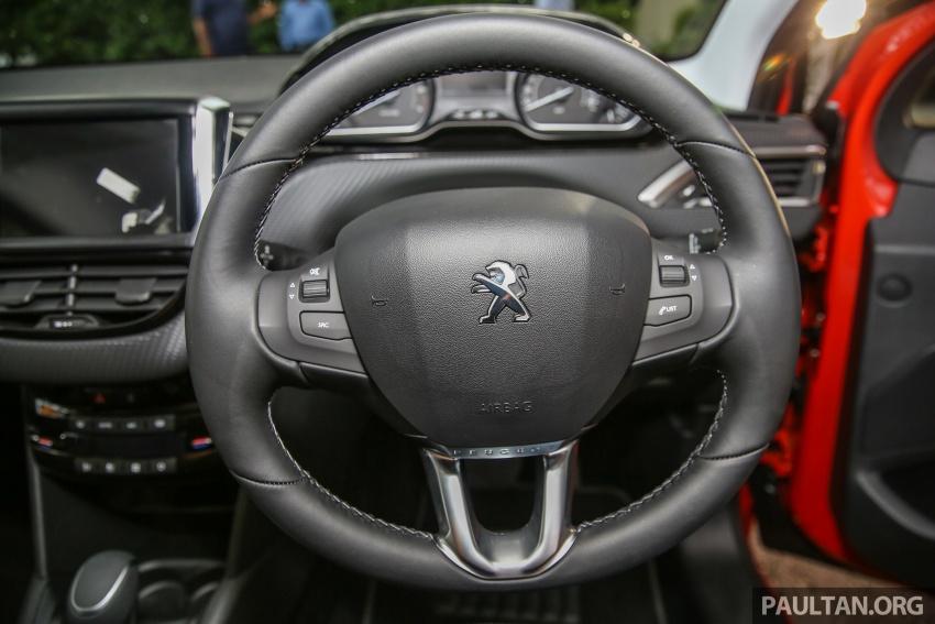 GALERI: Peugeot 208, 2008 facelift dipertontonkan Image #591671