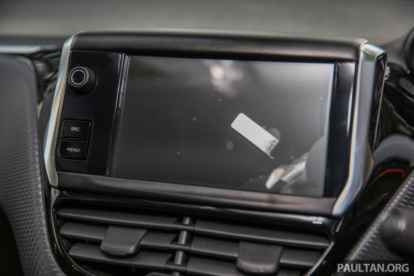 GALERI: Peugeot 208, 2008 facelift dipertontonkan Image #591677