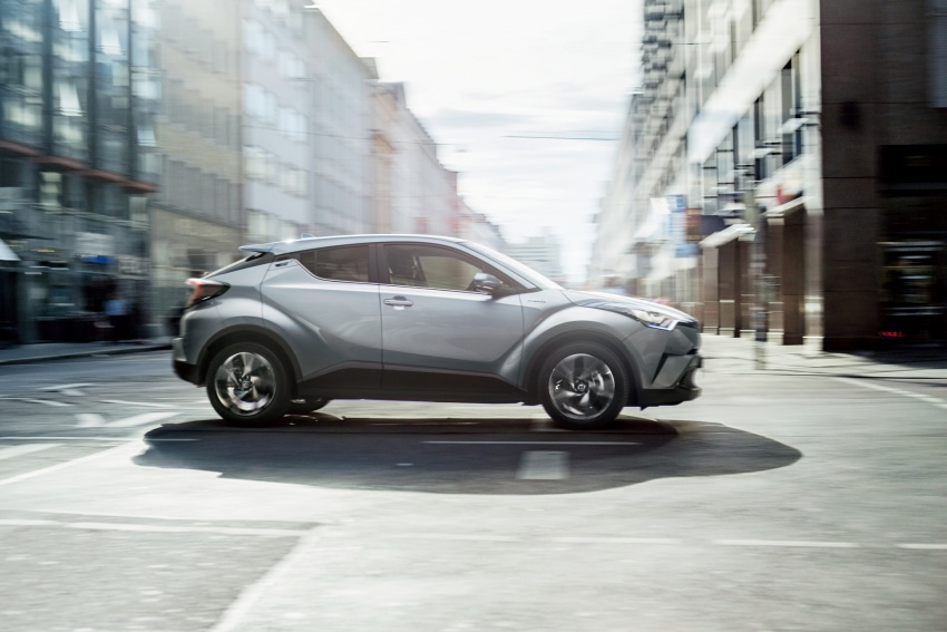 Toyota C-HR compact crossover launched in Japan – 1.2L Turbo 4WD, 1.8L Hybrid 2WD, from RM97k Image #591452