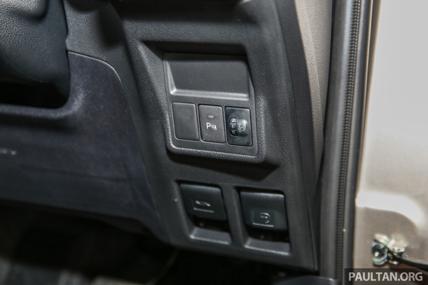 GALLERY: New Toyota Innova 2.0G on display – 8-seat MPV, Dual VVT-i, 6-spd auto, 7 airbags, VSC, RM126k Image #587606