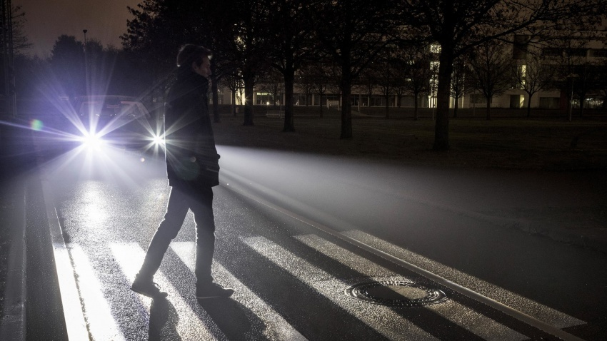 Mercedes-Benz Digital Light – ciri lampu tercanggih Image #588178