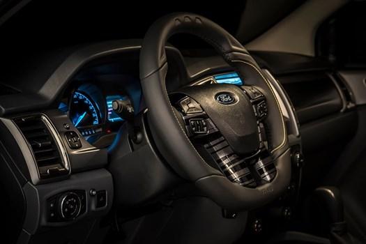 Ford Ranger dan Transit edisi khas Valentino Rossi Image #594895