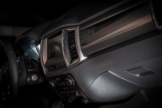 Ford Ranger dan Transit edisi khas Valentino Rossi Image #594897