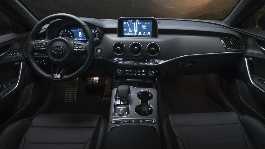 Kia Stinger 2018 didedahkan – model produksi sebenar kereta sport empat-pintu dari konsep Kia GT Image #600254