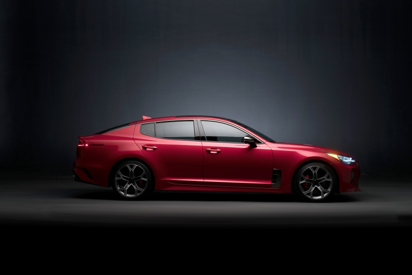 2018 Kia Stinger unveiled – it's a production Kia GT! Image #600003