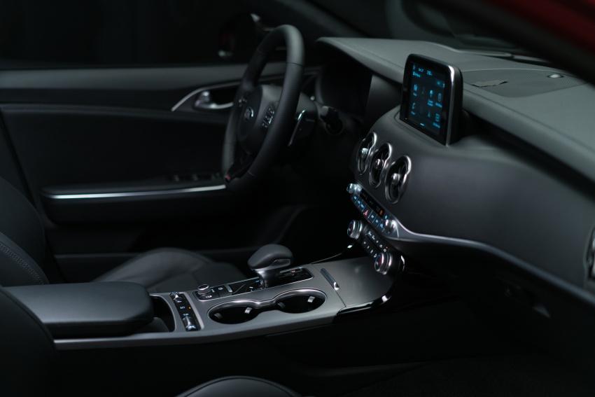 Kia Stinger 2018 didedahkan – model produksi sebenar kereta sport empat-pintu dari konsep Kia GT Image #600299