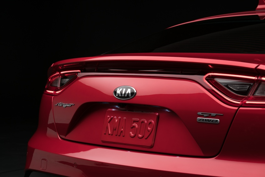 Kia Stinger 2018 didedahkan – model produksi sebenar kereta sport empat-pintu dari konsep Kia GT Image #600305