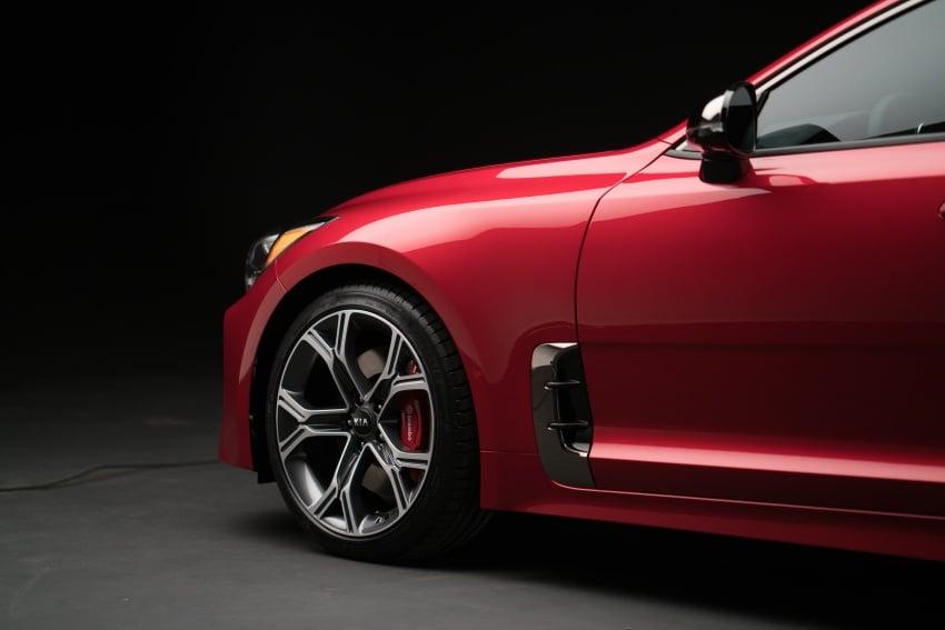 2018 Kia Stinger unveiled – it's a production Kia GT! Image #600031
