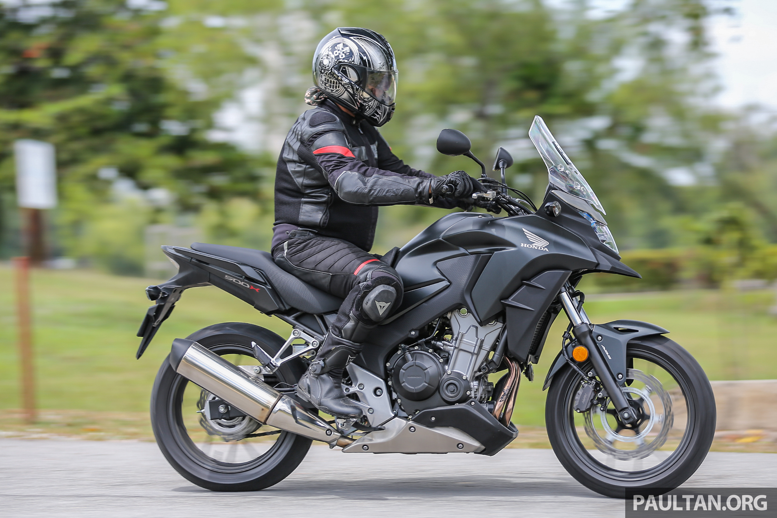 review 2017 honda cb500x a soft comfortable middle weight two cylinder commuter for any. Black Bedroom Furniture Sets. Home Design Ideas