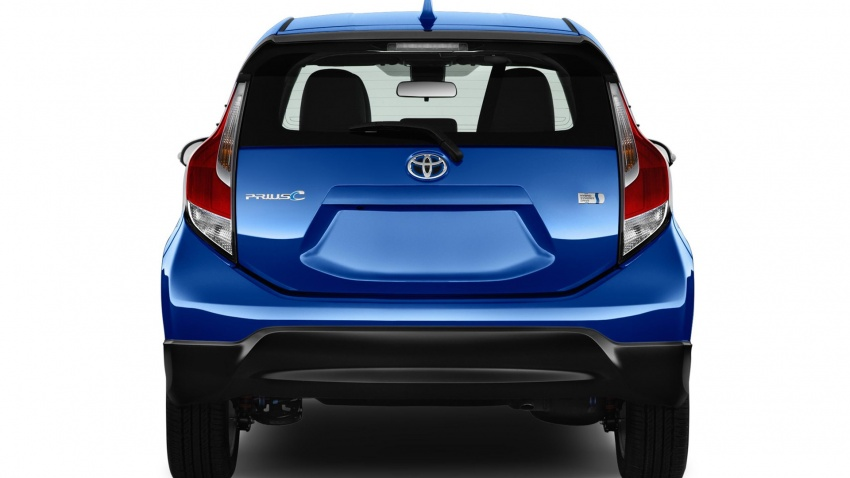 2017 Toyota Prius c – Safety Sense suite now standard Image #602353