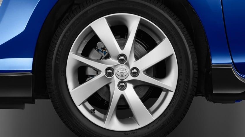 2017 Toyota Prius c – Safety Sense suite now standard Image #602354
