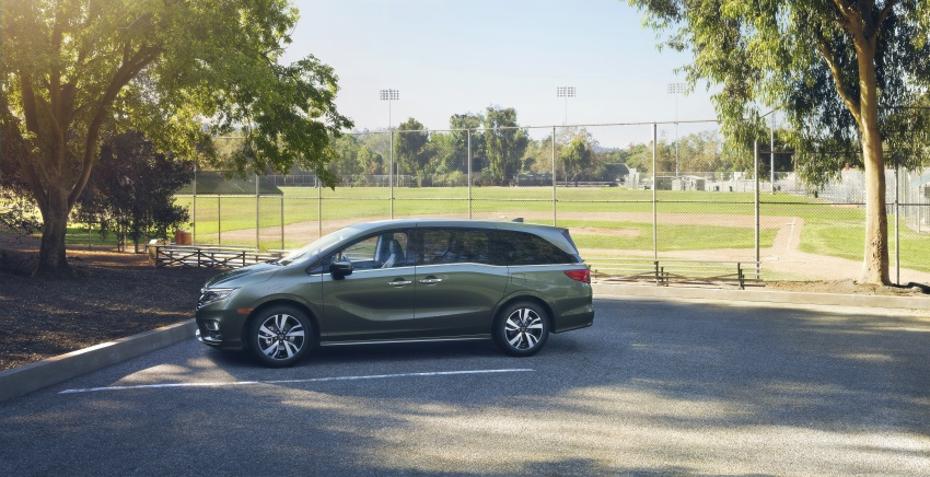 2018 Honda Odyssey makes debut at Detroit Auto Show – 3.5L i-VTEC V6; 10-speed automatic gearbox Image #600955