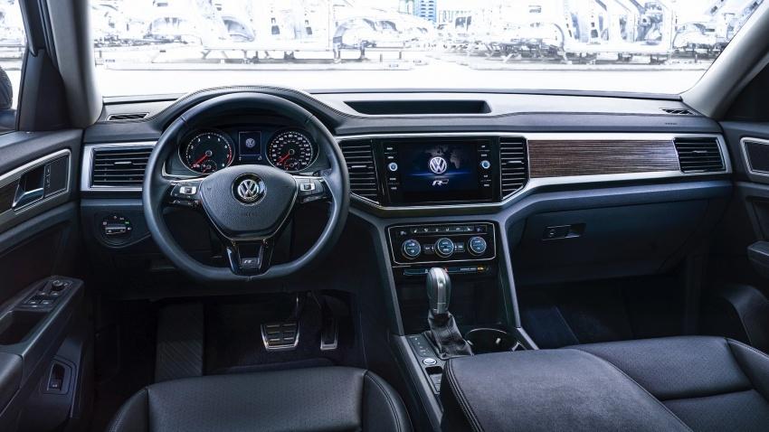 Volkswagen Atlas dengan pakej R-Line didedahkan Image #599432