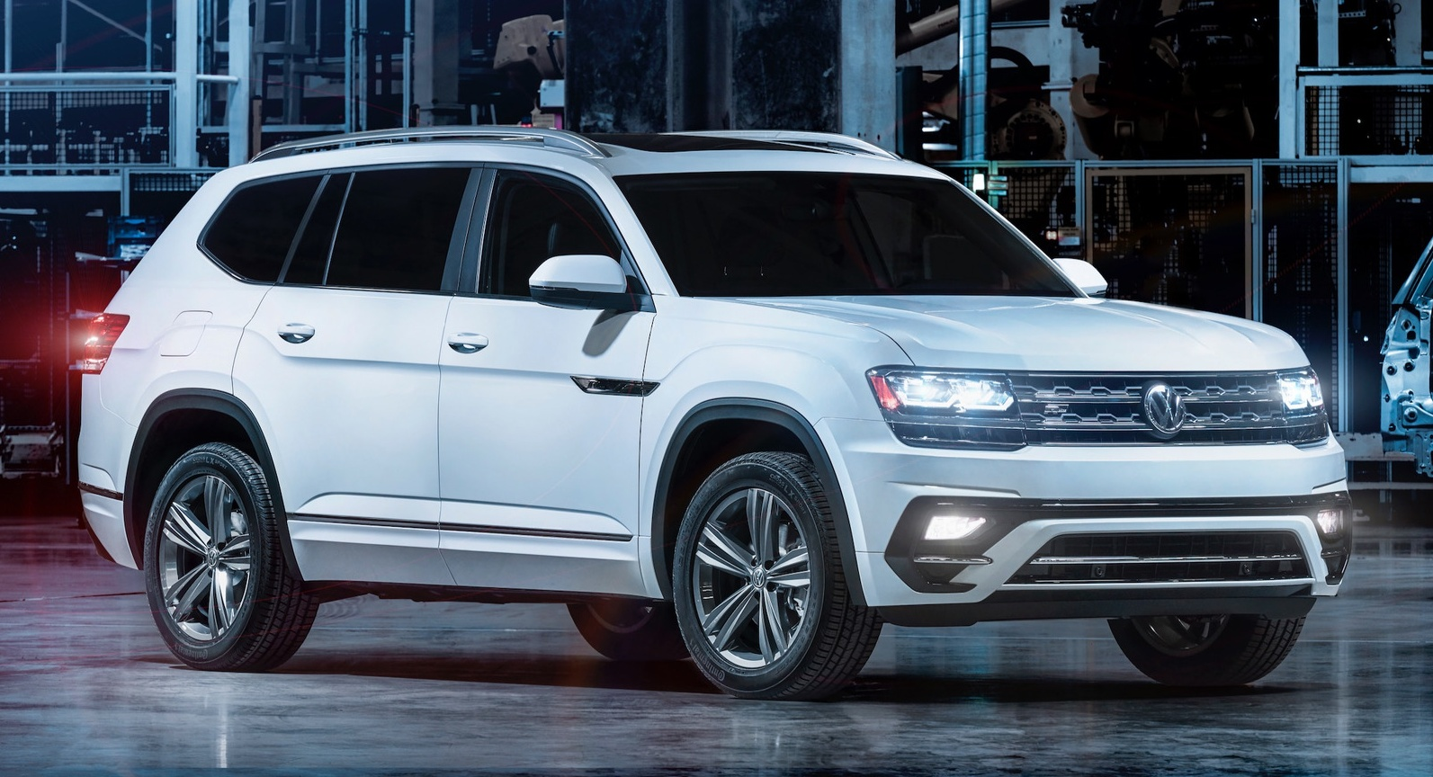 Back to Story: 2018 Volkswagen Atlas R-Line package revealed