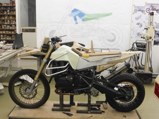 BMW Motorrad and Touratech build R1200 GS Rambler Image #601127