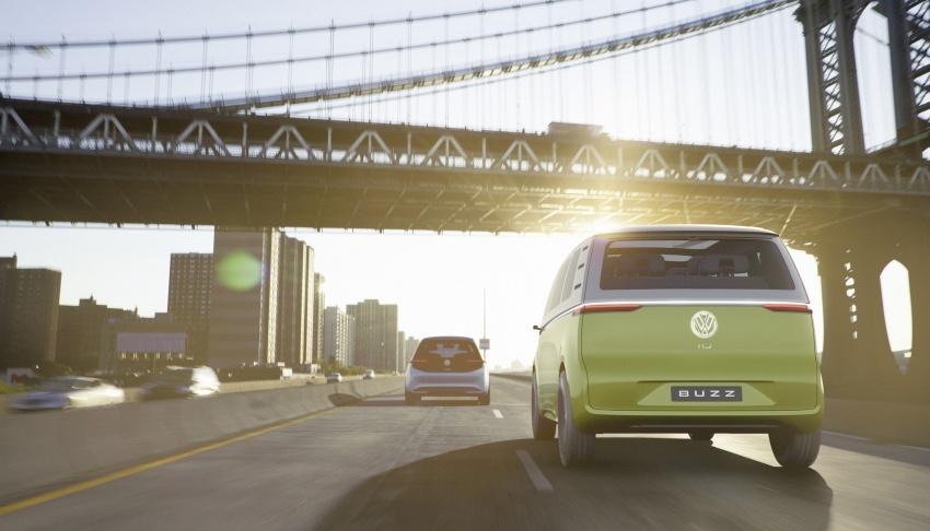 Volkswagen I.D Buzz Concept – jelmaan semula 'Kombi Van' dengan janakuasa elektrik sepenuhnya Image #600564