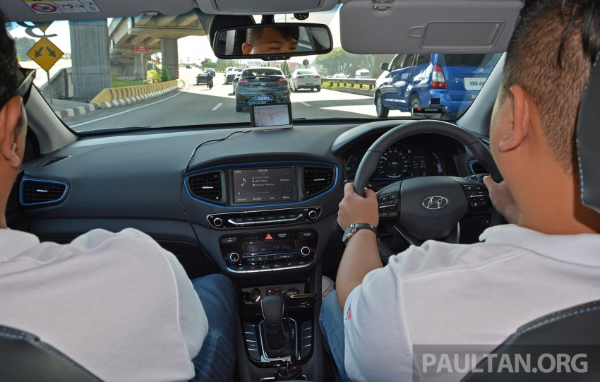 DRIVEN: Hyundai Ioniq Hybrid, thinking out of the box Image #597428