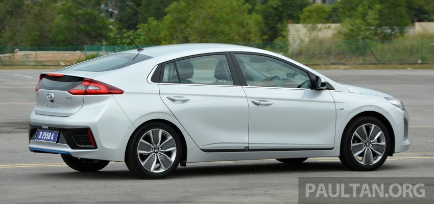 DRIVEN: Hyundai Ioniq Hybrid, thinking out of the box Image #597432